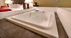 Jacuzzi King hotel room branson mo