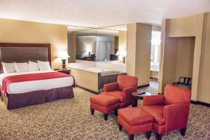 Pinnacle Suite with jacuzzi room at grand oaks hotel in branson mo