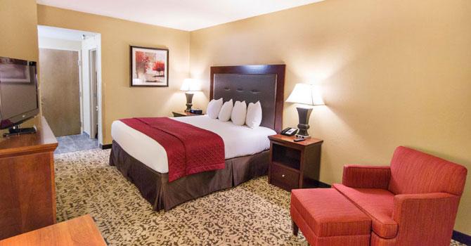 King room Grand Oaks Hotel