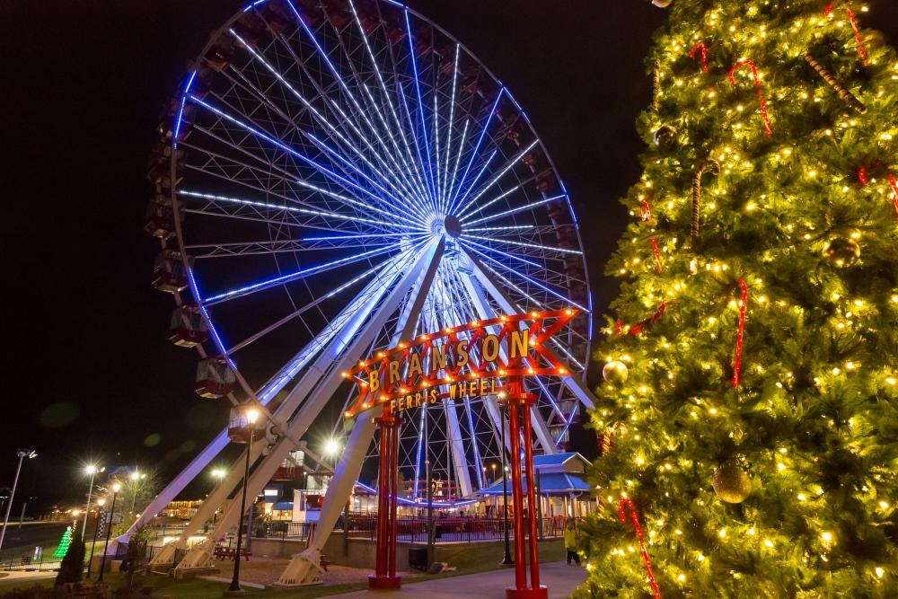 Branson Christmas lights and Christmas tree